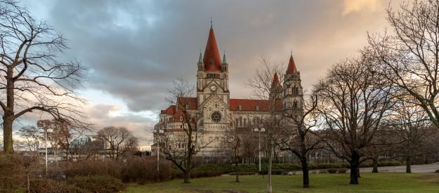 Biskupská konference Rakouska divestovala